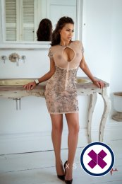 Laura is one of the incredible massage providers in London. Go and make that booking right now