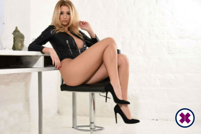 Laura is one of the best massage providers in Amsterdam. Book a meeting today