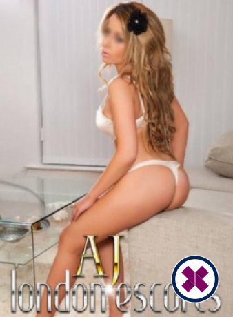 Melanie er en supersexy Romanian Escort i London