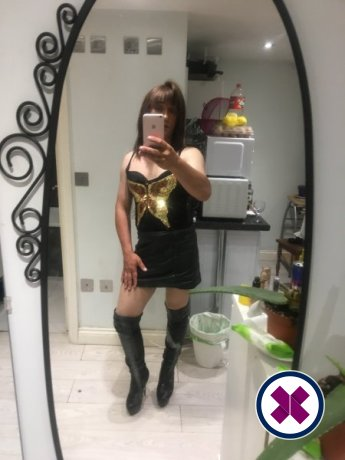 Dina TV is a hot and horny Russian Escort from Barnet